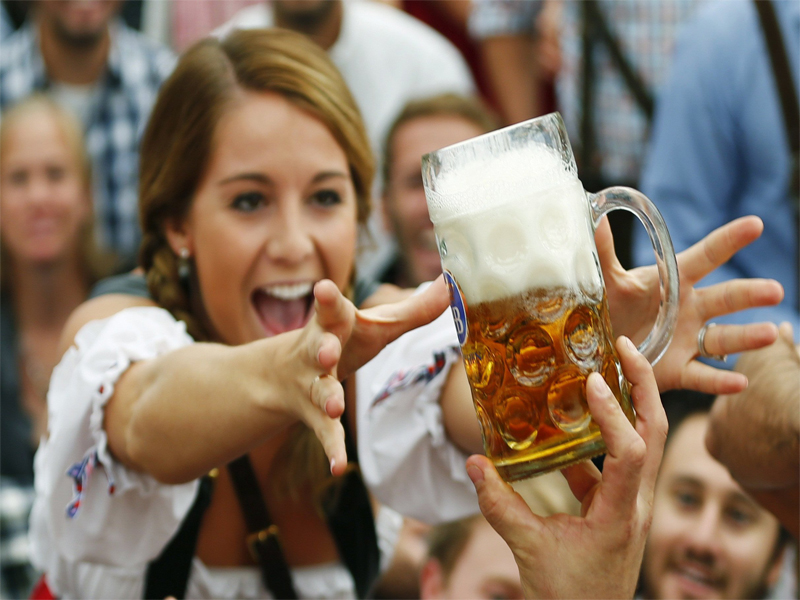 5 Best Drinking Cities to Take Off for a worldwide drinking spree
