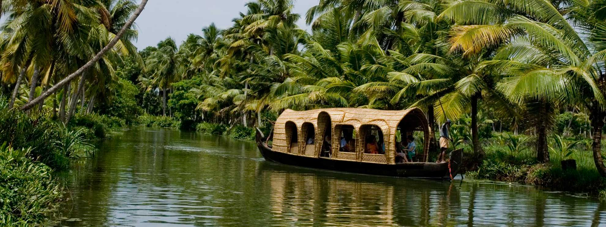 Top 10 places to visit in kerala god s own country for Best places to go to vacation