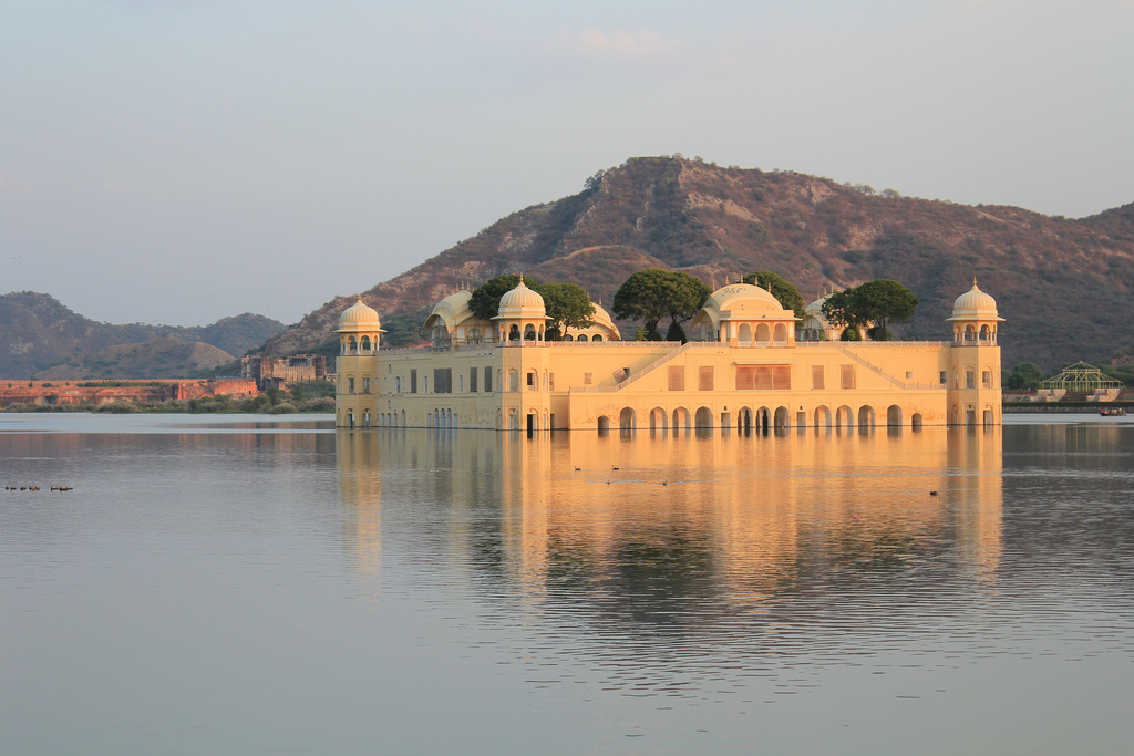 Best place to visit near Delhi - Jal Mahal jaipur