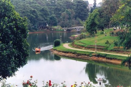 Ward's lake Shillong - Best place to visit in Shillong